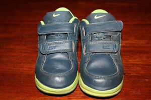 Nike sneakers toddler size 8 $15
