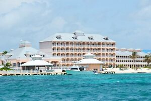 Grand Cayman - Beach Front one Bedroom apt $2000 CDN / Week