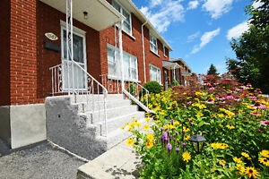 Beautiful 3 bedroom semi-detached home in convenient location!