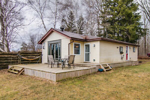 House On a Lake!!! Minutes From Kitchener!!