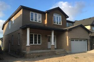Beautiful detached 4 Bedrooms house in Niagara Falls