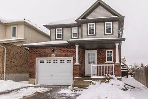 WONDERFUL SINGLE DETACHED FAMILY HOME IN KITCHENER!