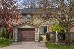 Backing onto green space and ravine!