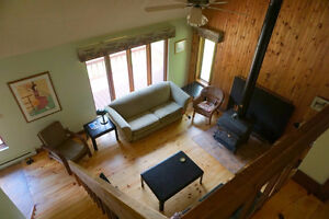 Gatineau Pk 4BR Exec Chalet FURNISHED Beach WiFi SatTV Woodstove