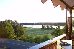 Beautiful and Private Cottage / Home along the Saint John River
