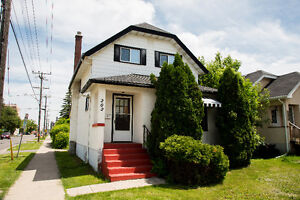 ***202 MARKS STREET SOUTH *** NEW PRICE!!!!***