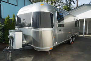 Airstream 25 FB SE Travel trailer