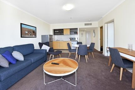 FULLY FURNISHED 2 BED. $860 p/w ALL BILLS - (can accommodate 5)