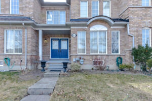 3 BEDROOM FREEHOLD TOWNHOUSE MISSISSAUGA
