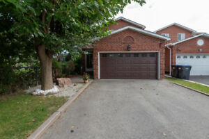 ⭐️HOT PROPERTY⭐️BUY THIS IN BRAMPTON A BEAUTIFUL DETACHED HOME