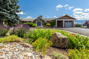 Gorgeous Home with The Okanagan Lifestyle - 770 Kerry Lane