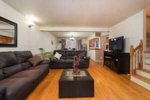 SPACIOUS 2 STOREY HOUSE FULLY FURNISHED AVAILABLE MARCH 1ST!!!