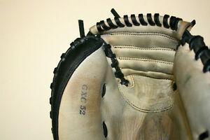 Baseball and Softball Glove Repair, Relace and Restoration Windsor Region Ontario image 8