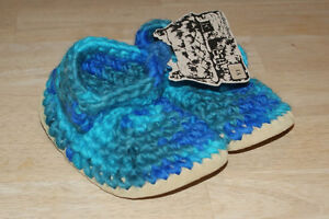 NEW Padraig Cottage Slippers, shoe size 12-2 (Y1 size).