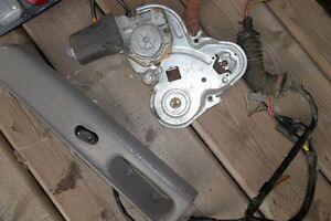 1998 Ford Explorer SUV Parts London Ontario image 3