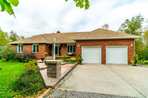 Country Living At Its Finest! Sprawling 3 Bedrm 4 Bath Bungalow!