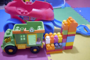 Mega Bloks Build and Go Wagon + Little Toy Truck