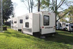 37 foot golf stream travel trailer.