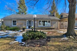 West Galt Bungalow / MLS 30557016 / 27 Forest Rd.