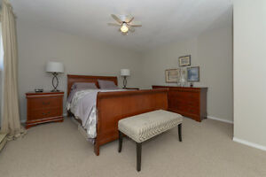 BEAUTIFULLY UPDATED Family home on .22 acre Comox / Courtenay / Cumberland Comox Valley Area image 9