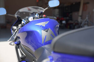 Yamaha R6S in an excellent condition with low KM Sarnia Sarnia Area image 5