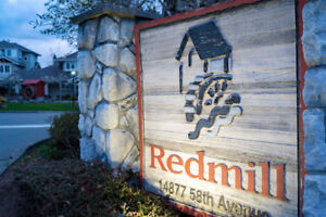 **REDUCED PRICE**Corner Townhome at Redmill and moving reward!
