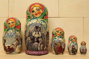 Christmas Nesting Dolls set of 5