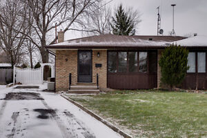 **Total Reno** Stunning Semi In North St.Catharines!!