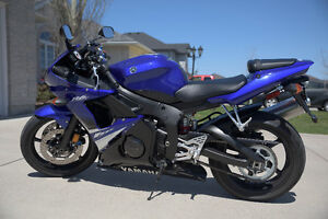 Yamaha R6S in an excellent condition with low KM Sarnia Sarnia Area image 7
