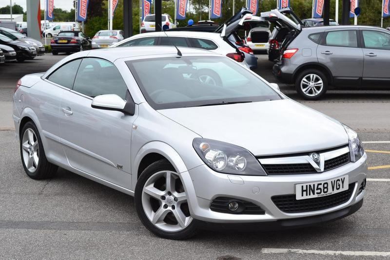 Vauxhall astra twintop 1 8 vvt sport 2 door silver 2008 for Door 2 door doncaster