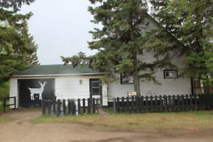 1 1/2 Storey Character Home for Sale in Roblin, MB!