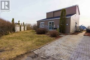 OPEN HOUSE SUNDAY MAY 1, 2-4PM