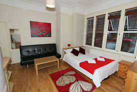 *Short Stay Furnished Studio for 3-4 people in Willesden Green. Ideal Business or Holiday Rentals.**