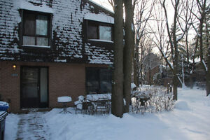 Room for Rent/Chambre a Louer -Students/Young Proffesionals only