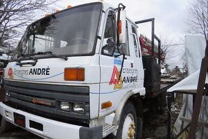Camion Nacelle - À VENDRE