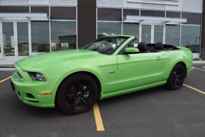 Only 25000 KMs 2013 Ford Mustang GT Convertible