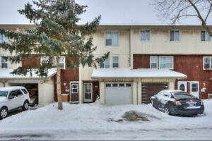 2 bedroom condo for sale in Cambridge!