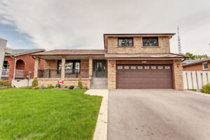 JUST LISTED! 4063 Molly Ave (Cawthra & Burnanthorpe)