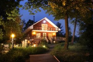 PRIVATE ISLAND/MODERN CHALET COTTAGE, CLEAR LAKE, KAWARTHAS