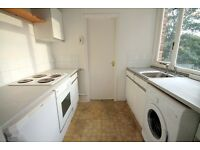 Huge bedrooms, both Doubles,2 bed bright Apartment in Angel