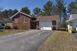 GREAT HOME IN PRIME LOCATION  ID# 1053957
