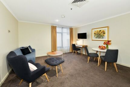 FULLY FURNISHED 1 BED. $670 p/w ALL BILLS - just bring suitcase