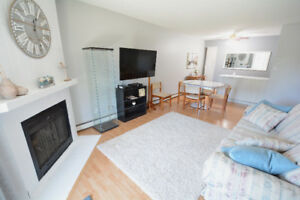 Perfect Furnished 2 Bedroom Condo for University Students!!