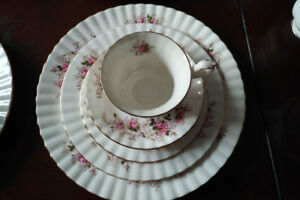Royal Albert Lavender Rose Bone China England set - rare 50+ yrs
