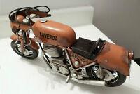Modele en feuille d'acier fait a la main Laverda 1972