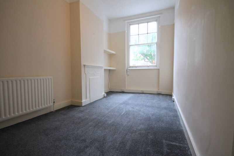 Newly Decorated 1 Double Bed in Islington De Beauvoir Area