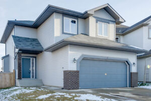 Stunning Property in Fort Sask. 3 Bed 2.5 Bath Heated Garage!