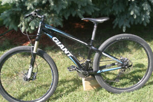 "GIANT XTC 26"" MOUNTAIN BIKE"