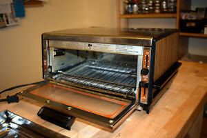 Proctor and Silex Toaster Oven