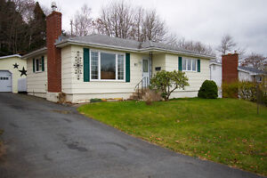 OPEN HOUSE! Sun 2-4pm Cozy Lower Sackville 3 Bed Bungalow!